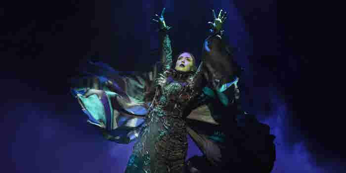 This Broadway Actress Left a Safe Wall Street Gig to Pursue Her Dream. Now, She's Starring in 'Wicked.'