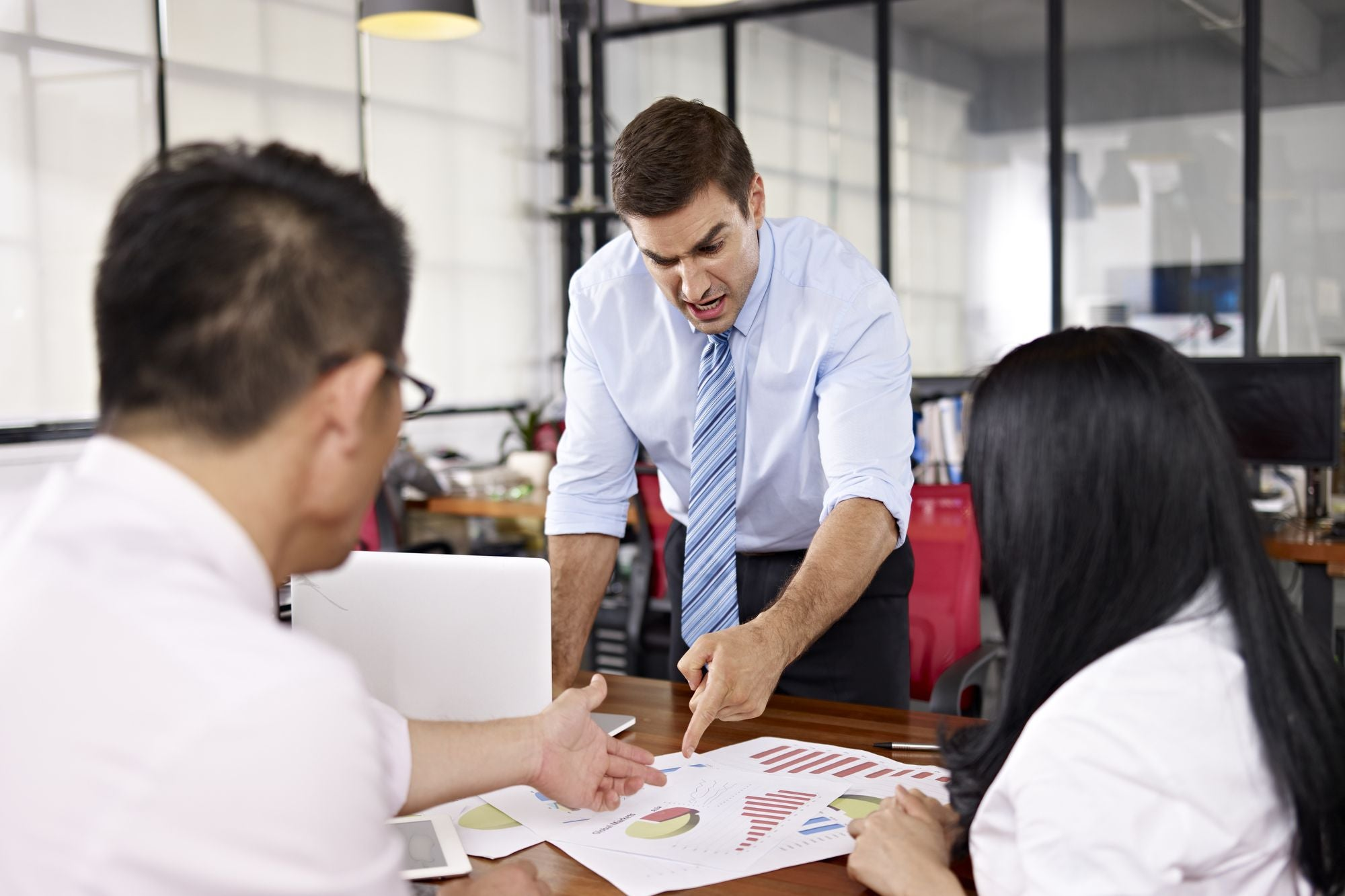 نتيجة بحث الصور عن How to Work for a Boss Who Has a New Idea Every 5 Minutes