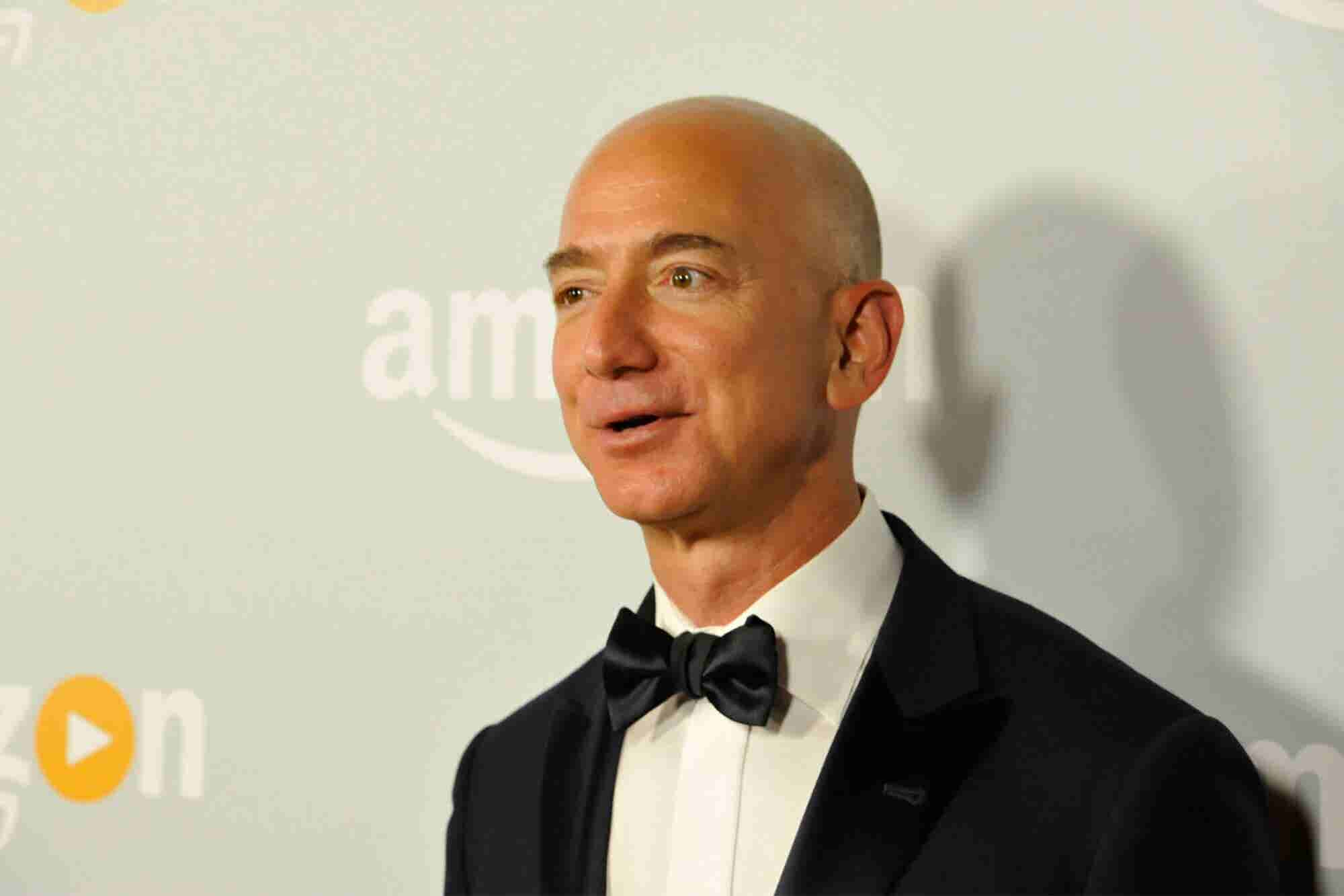 Some Amazon Workers Might Only Get a $1-Per-Hour Raise