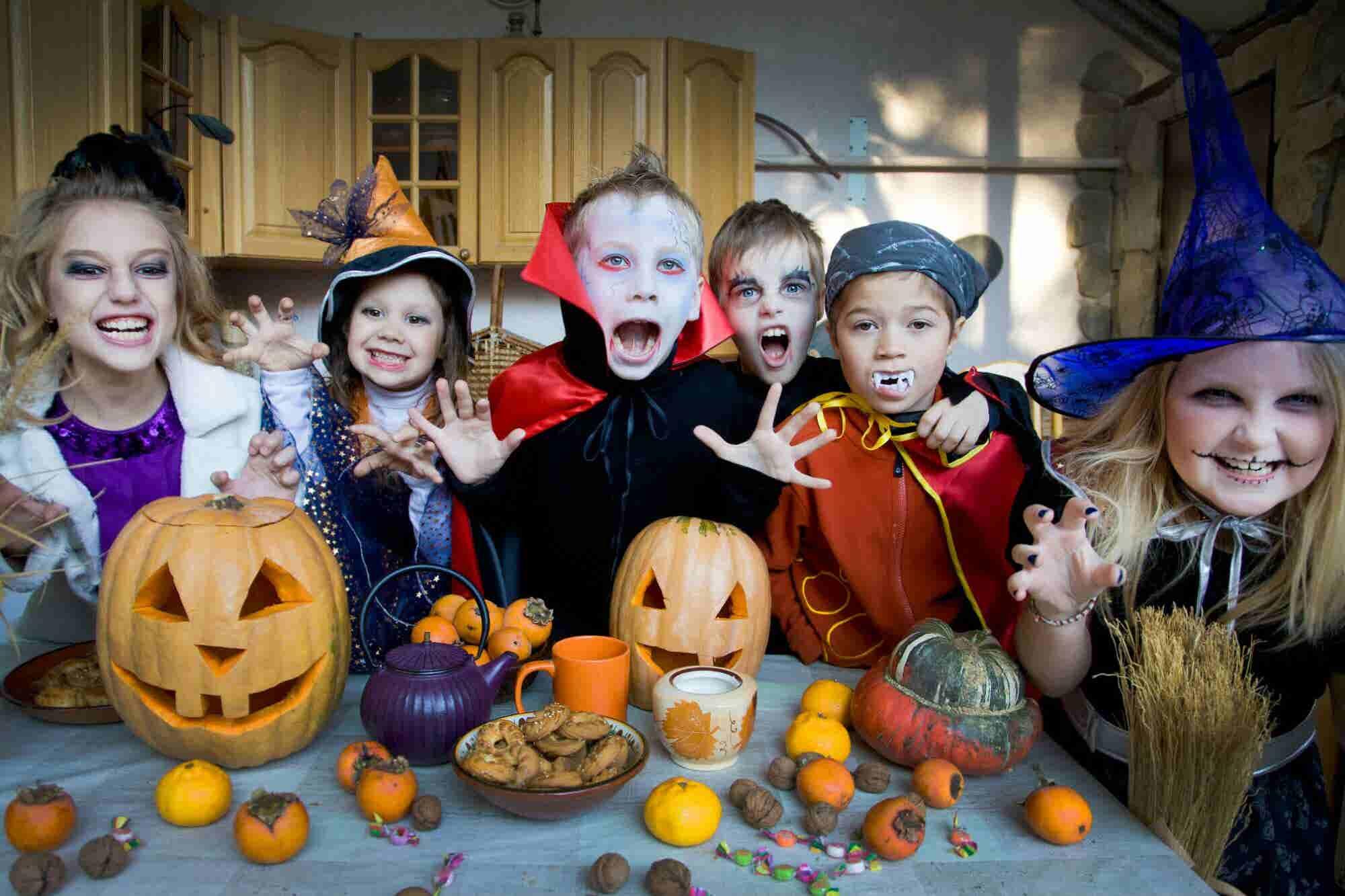 隆Idea de negocio para D铆a de Muertos y Halloween! Pon un servicio de disfraces infantiles