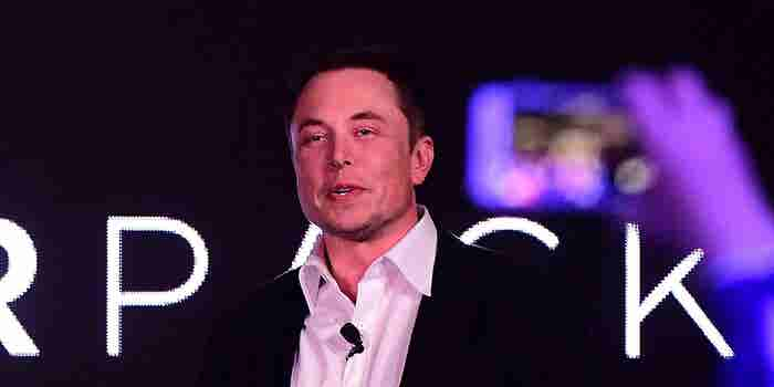 Advice for Elon Musk From Richard Branson, Arianna Huffington and Mark Cuban