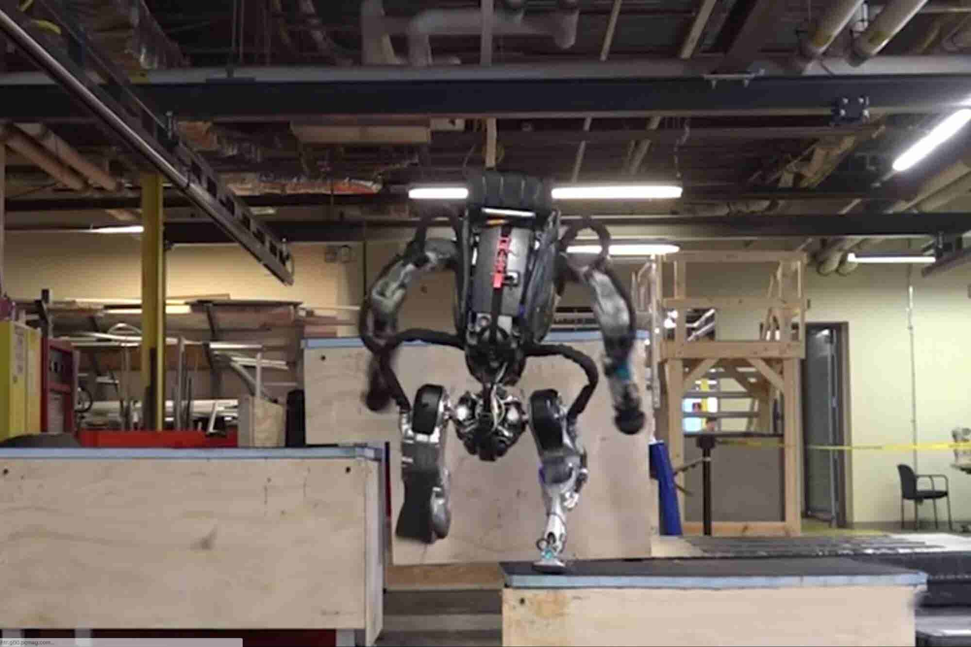 Watch Boston Dynamics' Atlas Robot Do Parkour