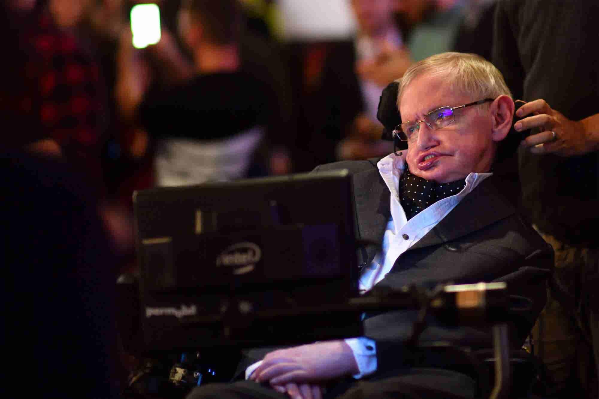 Stephen Hawking's Final Paper on Black Holes Is Now Online
