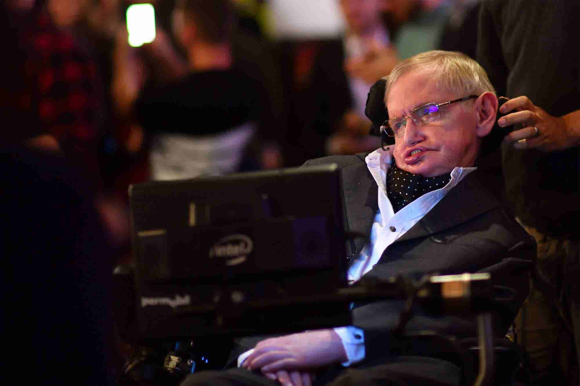 Stephen Hawking's Final Paper on Black Holes Is Now Online