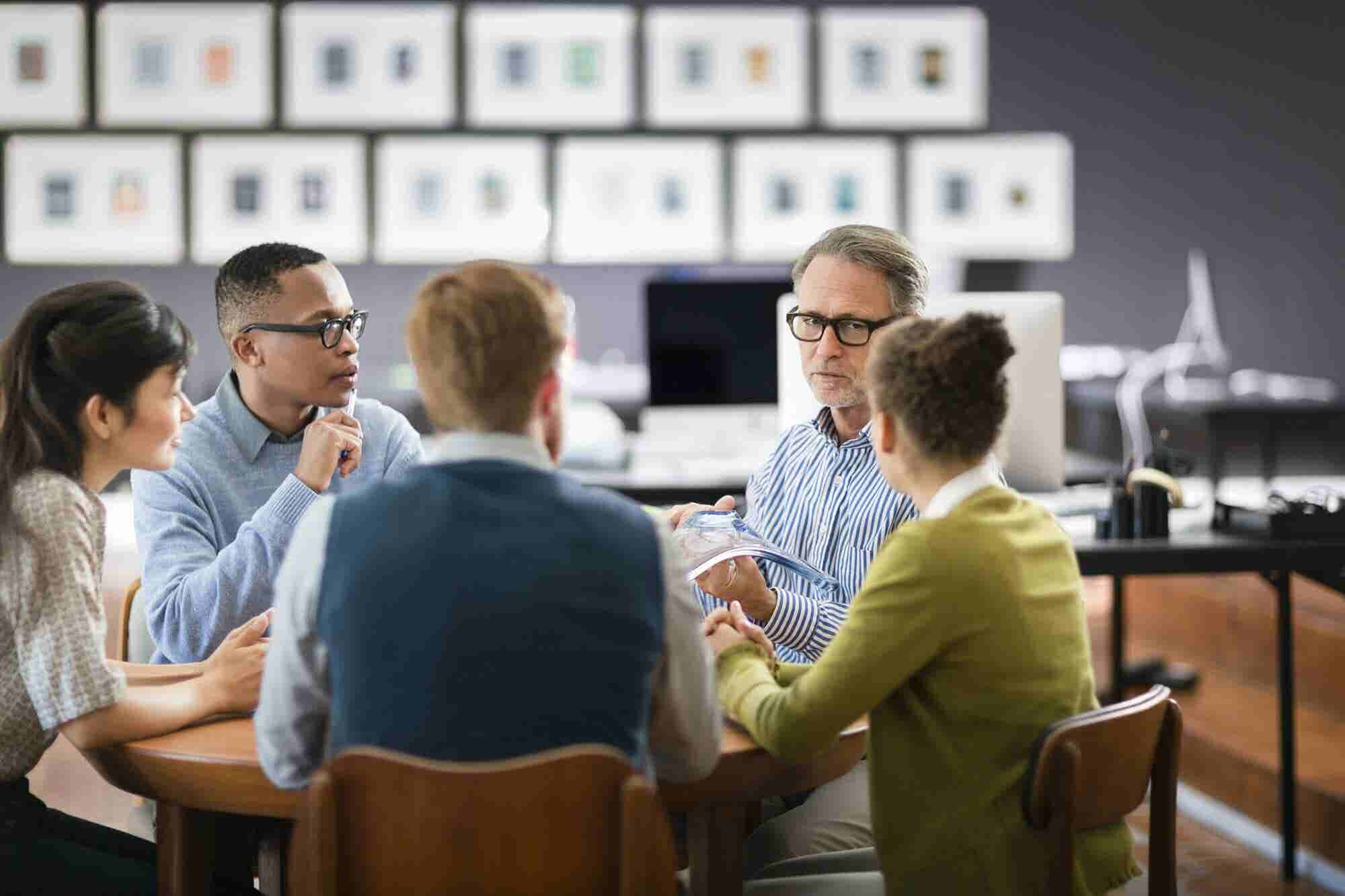 How to Bond With Your Employees Without Compromising Your Authority