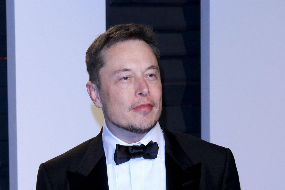 Consejos esenciales de Elon Musk para emprendedores primerizos