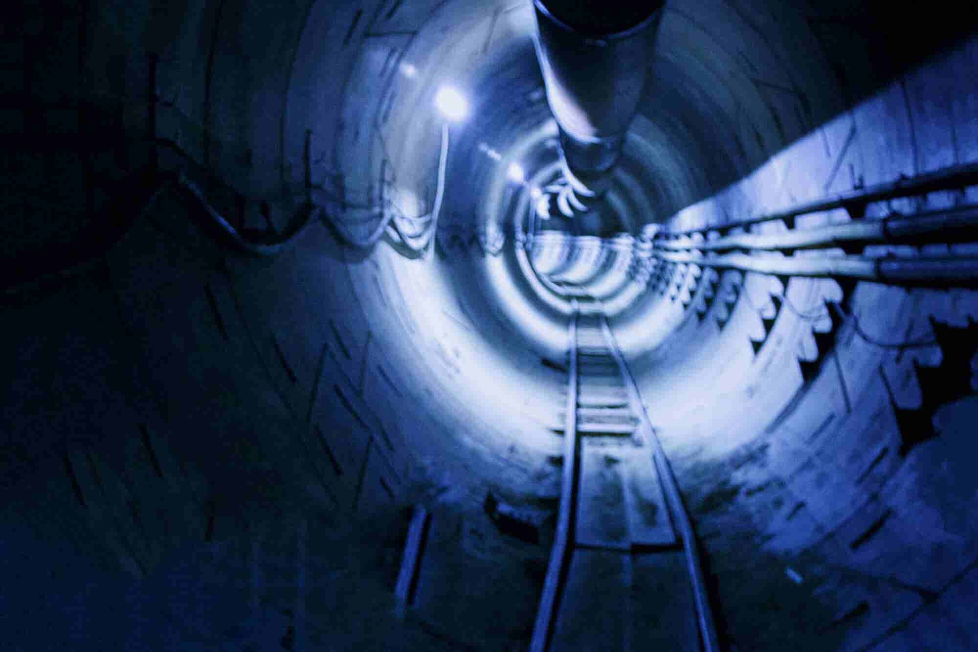 Elon Musk Says He'll Offer Free Underground Tunnel Rides in Los Angele...