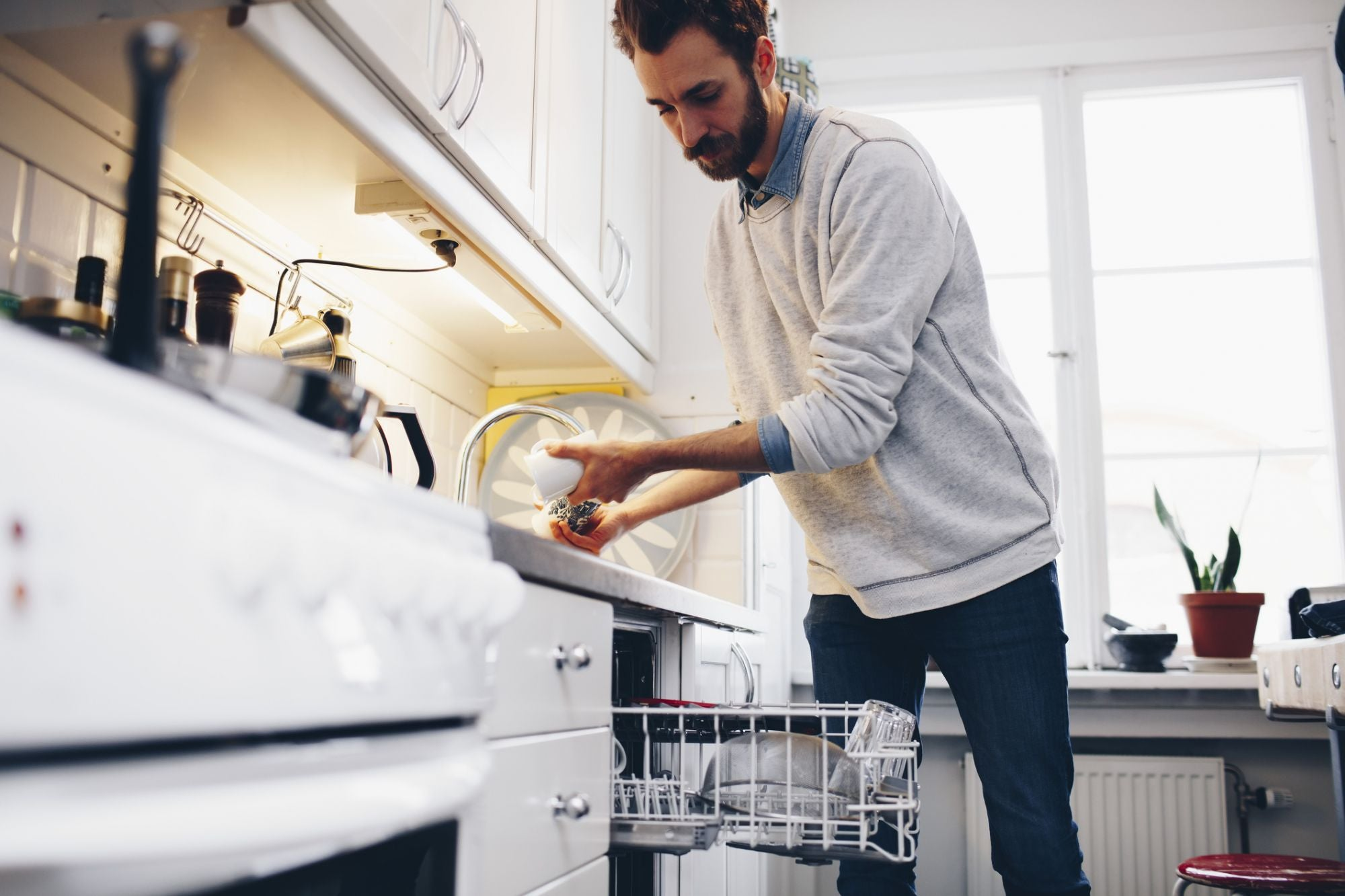 Want a Brilliant Business Idea? Wash the Dishes.
