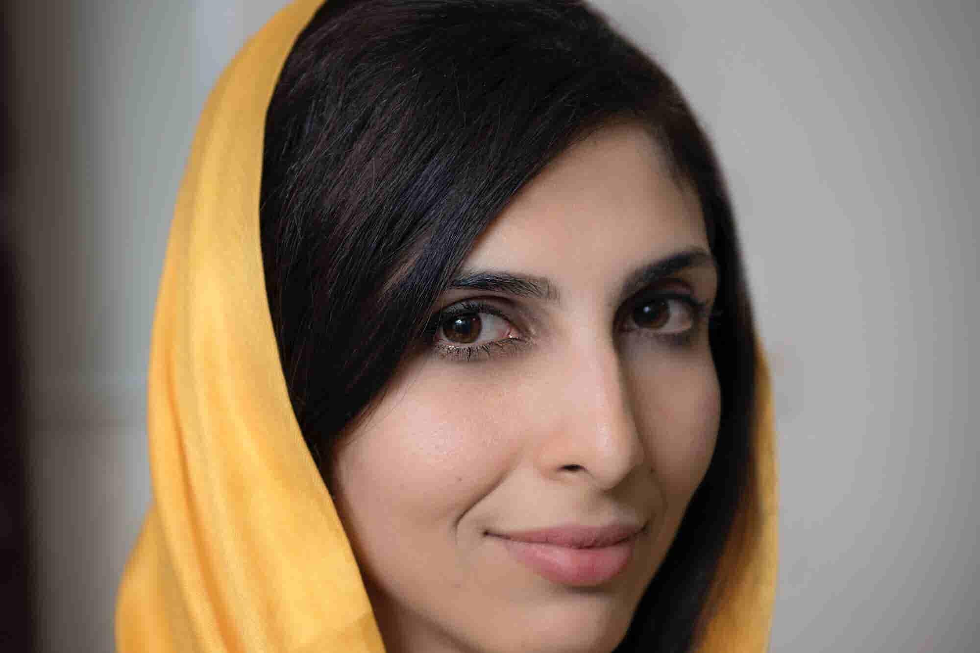 La afgana que lleva la revolución digital a todas las niñas del mundo