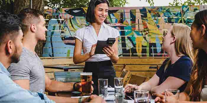 3 consejos para triunfar en tu restaurante del emprendedor que revolucionó las órdenes a los meseros
