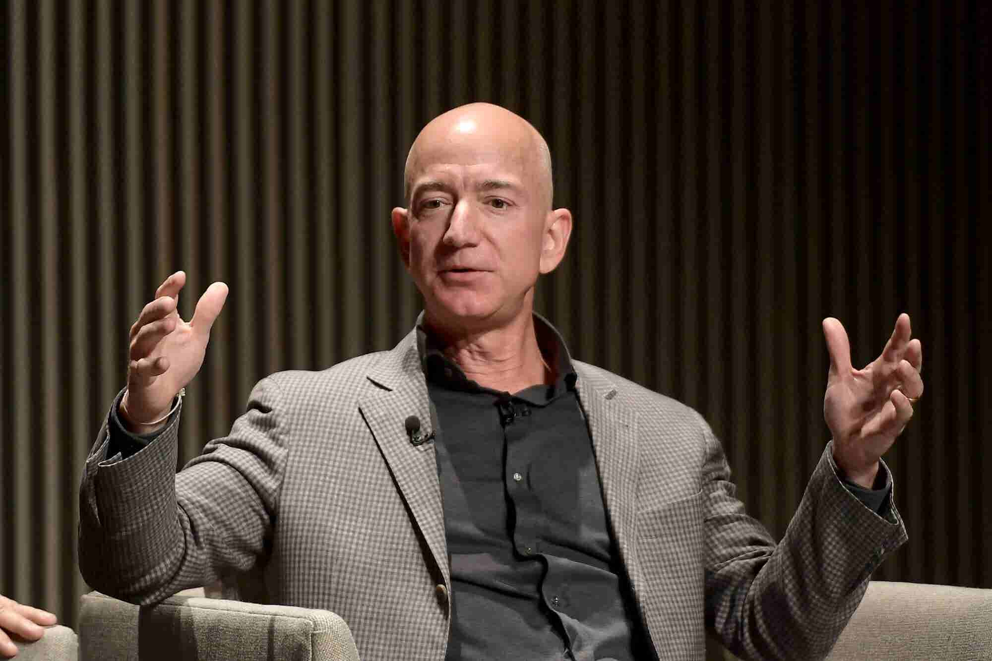 5 Lessons from Jeff Bezos's 21 Years of Shareholder Letters