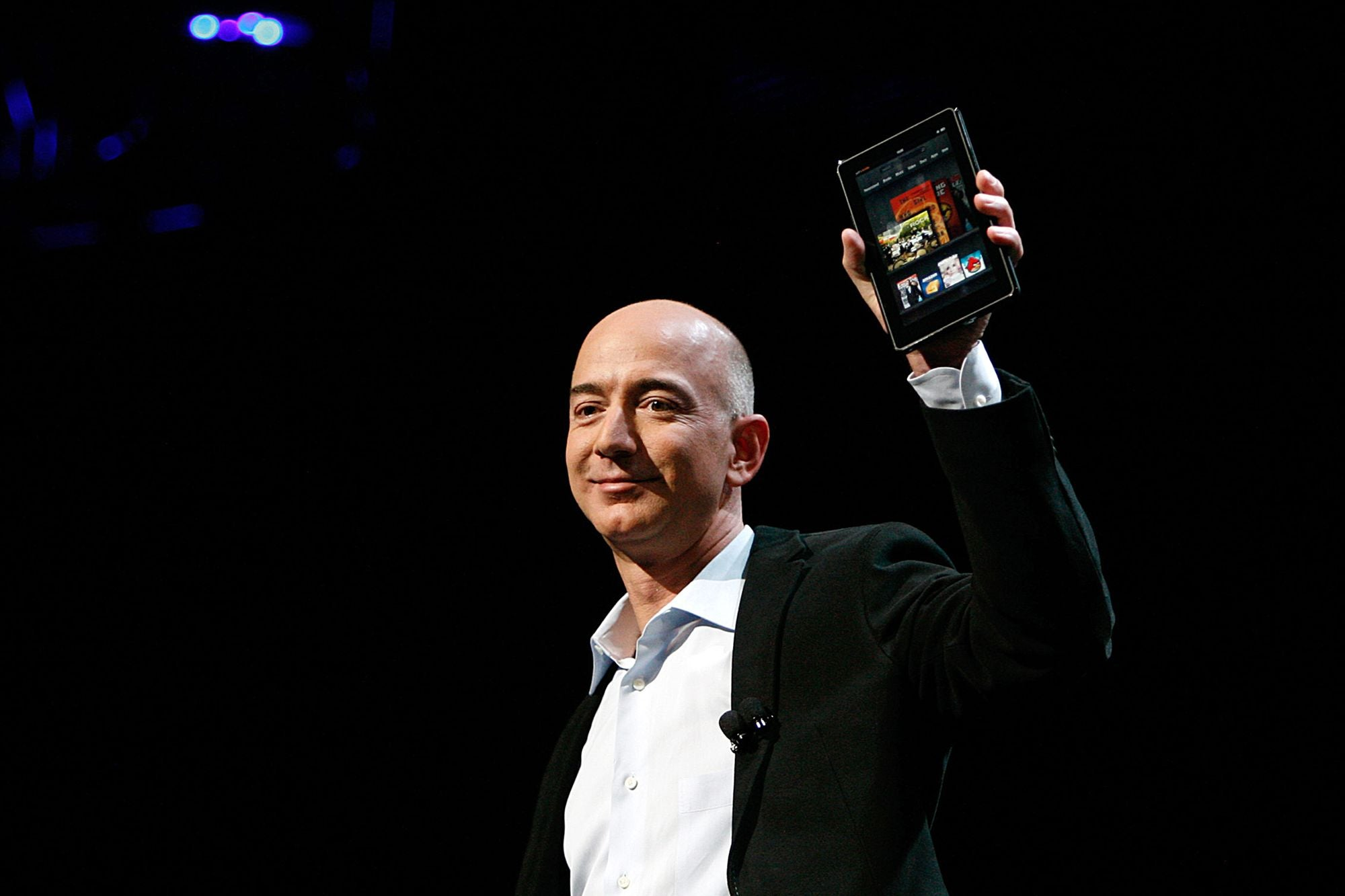 One Share of Amazon Stock Costs Over $1,600. Is It Worth It?