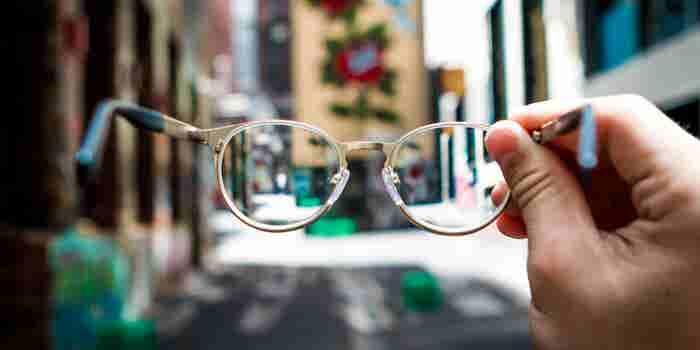Este emprendedor quiere que todos puedan ver y paguen menos por sus lentes