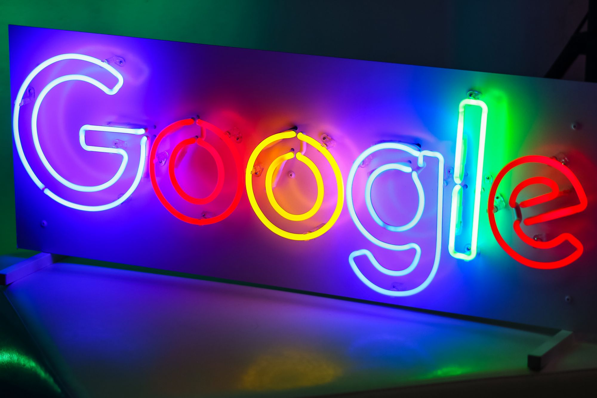 Google Is Up Today, But Experts Still Consider It a 'Sell'