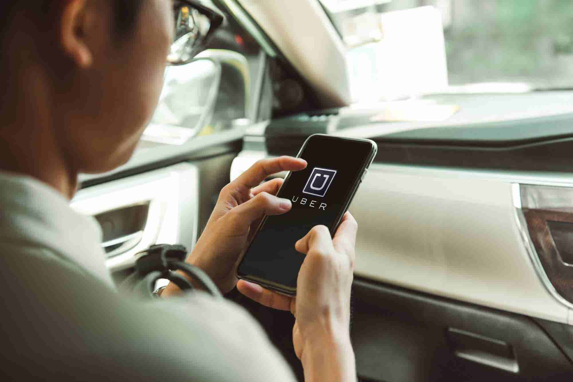 Uber retendrá dinero de los conductores en México para pagar impuestos automáticamente
