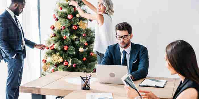 7 Ways to Manage Employee Holiday Time Off