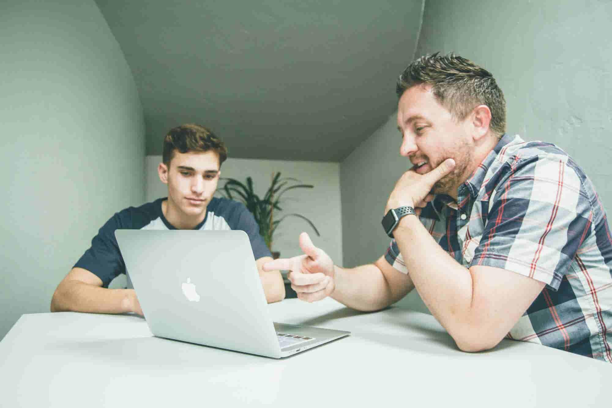 3 señales de alerta que te avisan que tu mentor no te está ayudando co...