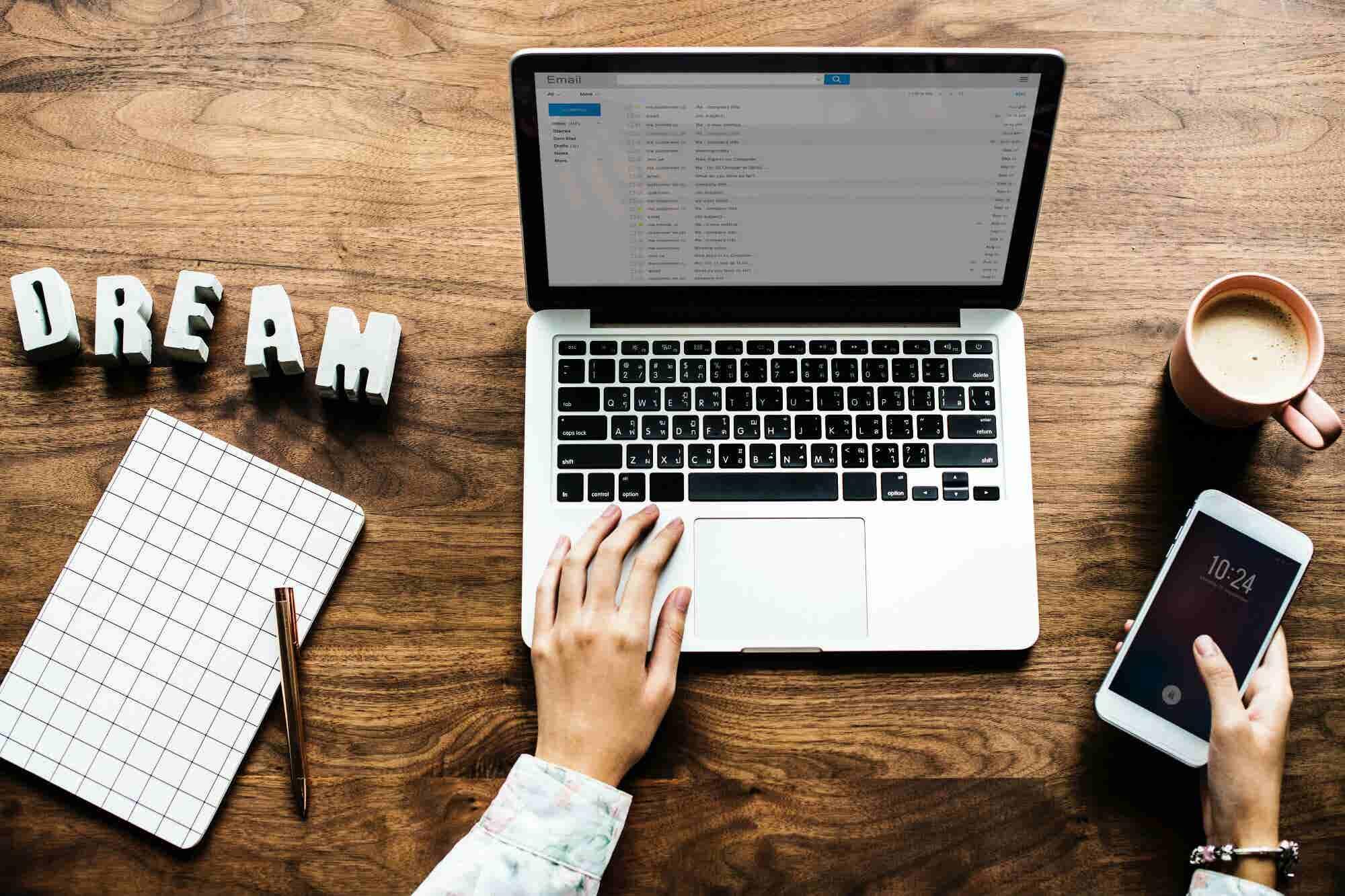 Idea de negocio de medio tiempo para una sola persona: Ser ghostwriter