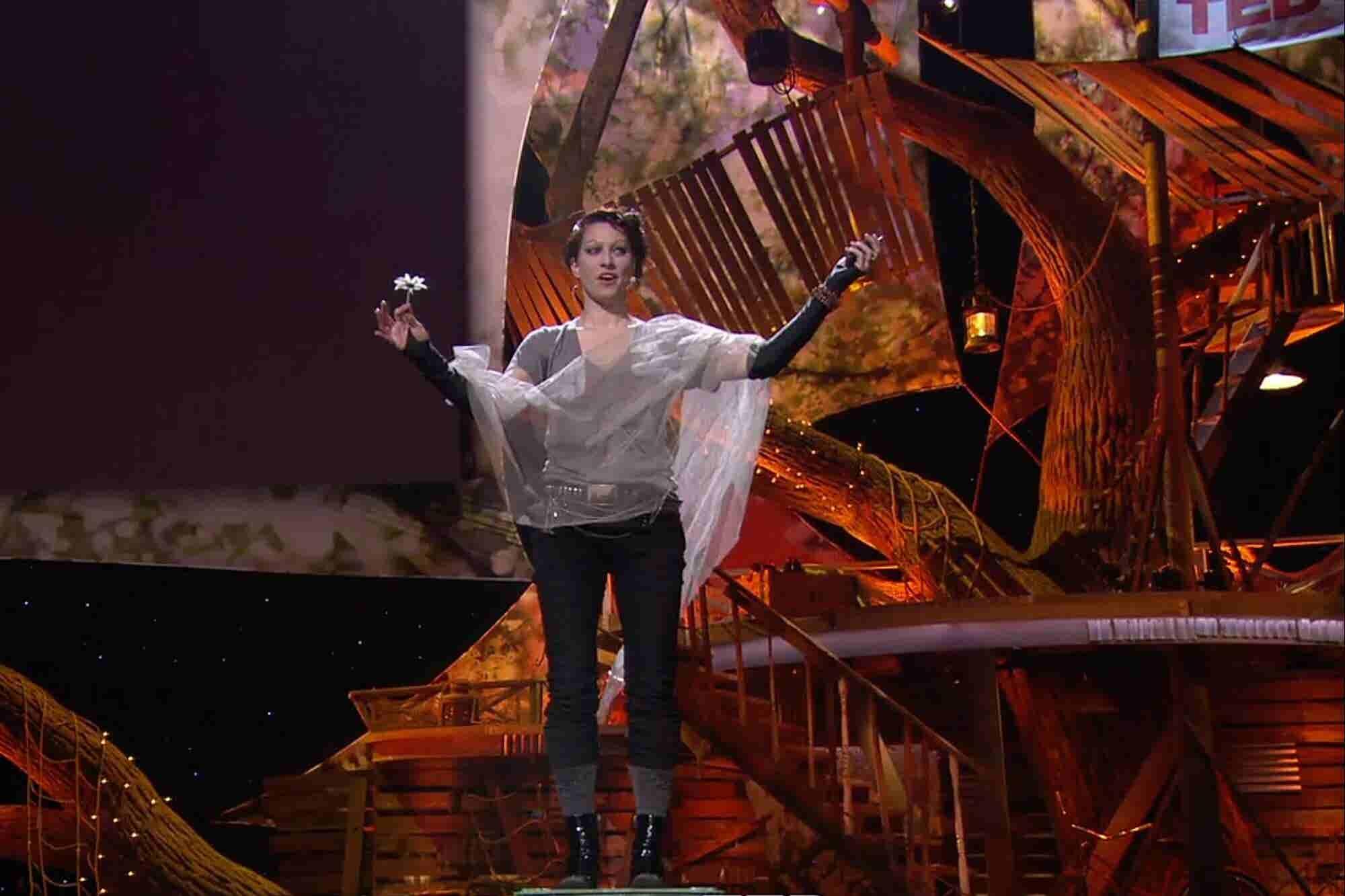 5 TED Talks para mujeres poderosas que quieren ser líderes que inspiran