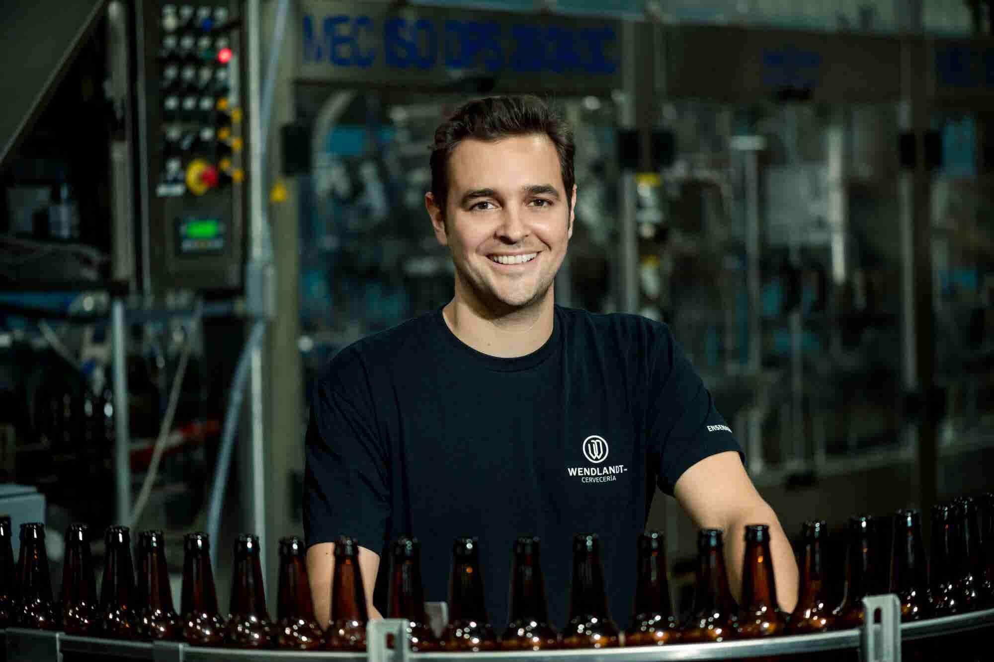 El mexicano que convirti贸 su gusto por la cerveza en un negocio que traspas贸 las fronteras de nuestro pa铆s