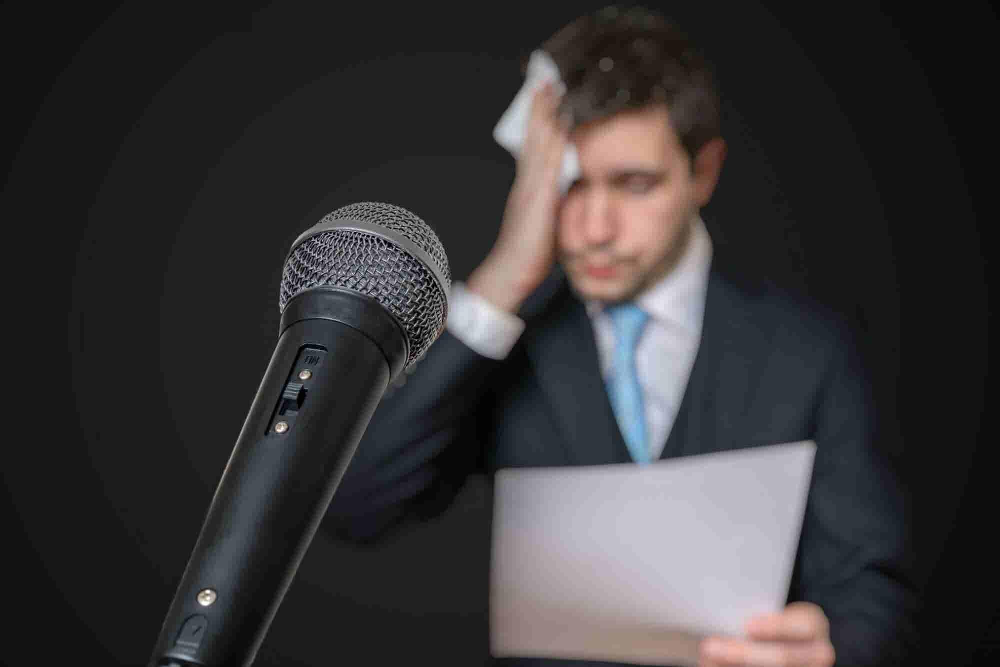 Cómo eliminar las muletillas al hablar en público