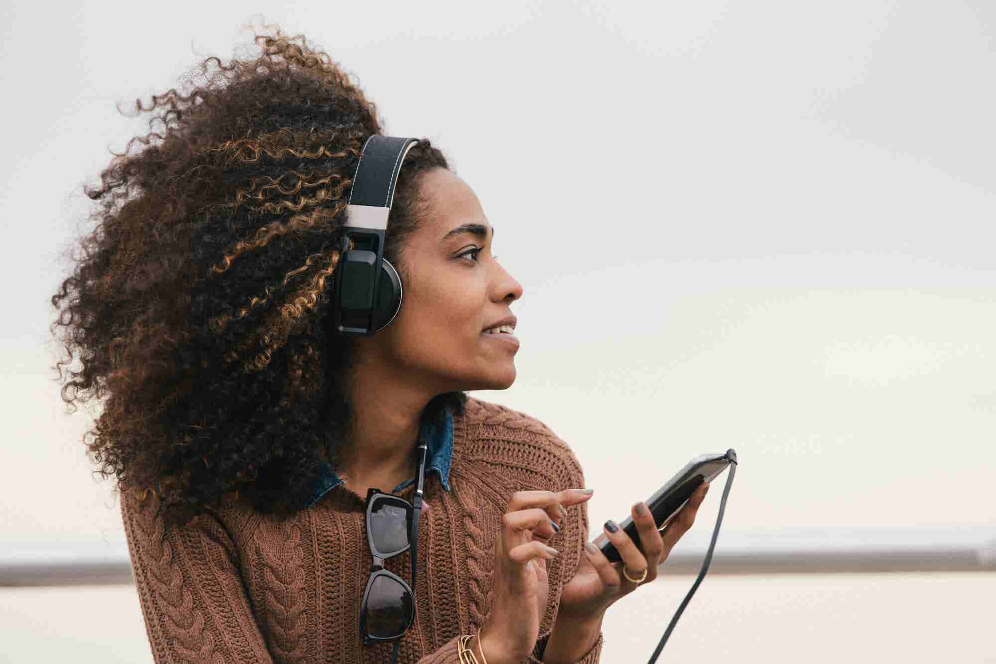 Want 7-Figure Podcast Downloads? Try These 5 Strategies.