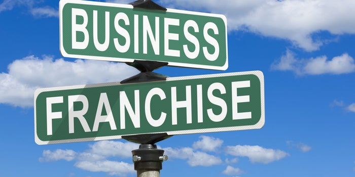 44f21b8c34 3 Reasons Buying a Franchise Might Be Better Than Starting Your Own Business