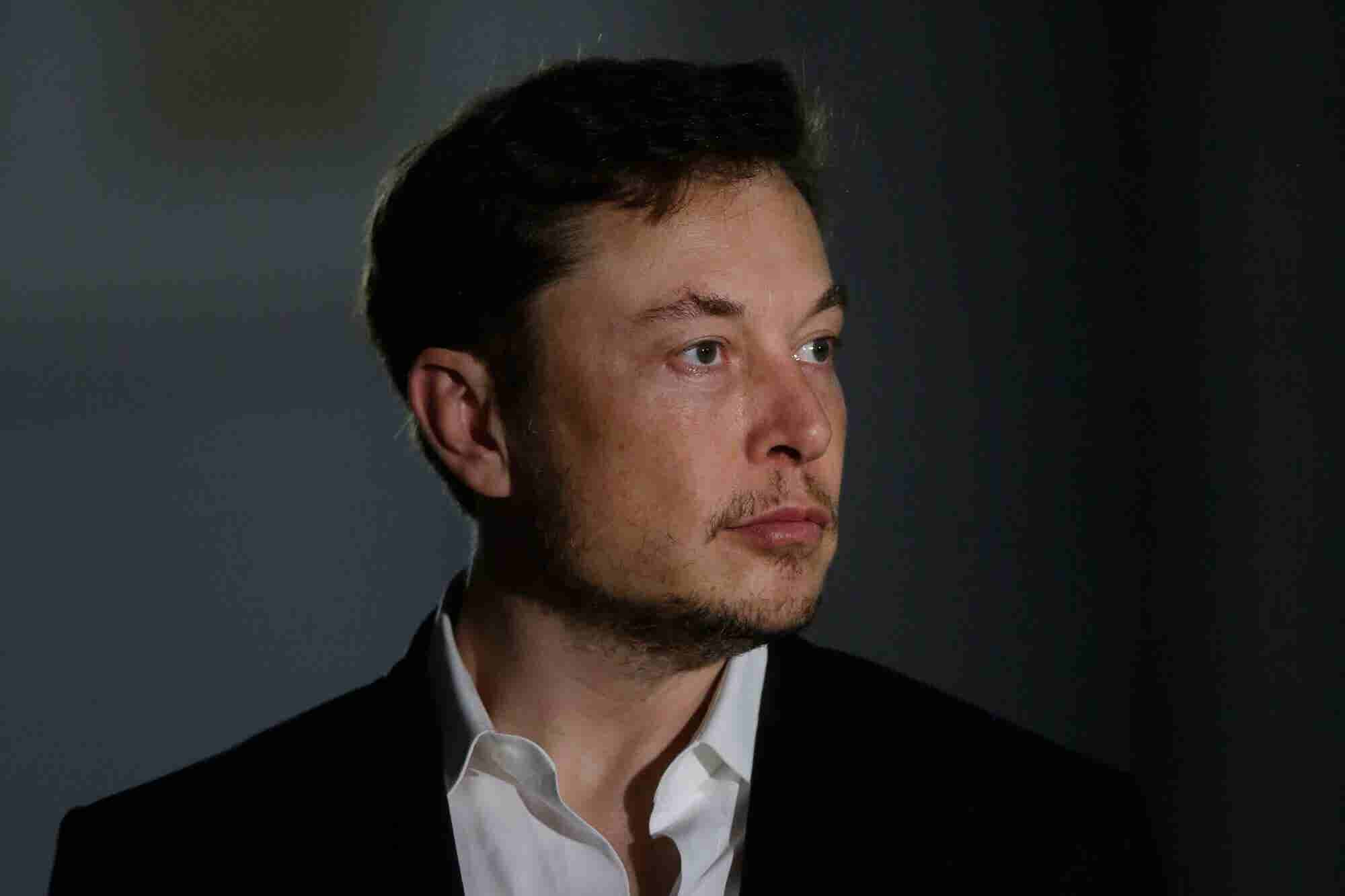 Tesla Staff Were Reportedly Told Not to Walk Past Elon Musk's Desk Bec...