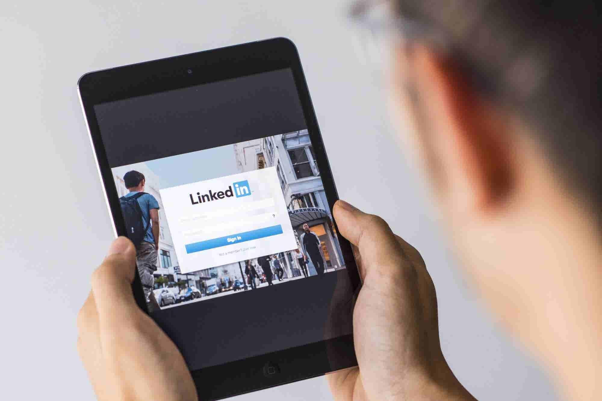 5 Ways to Turn Your LinkedIn Connections Into Paying Clients in 2019