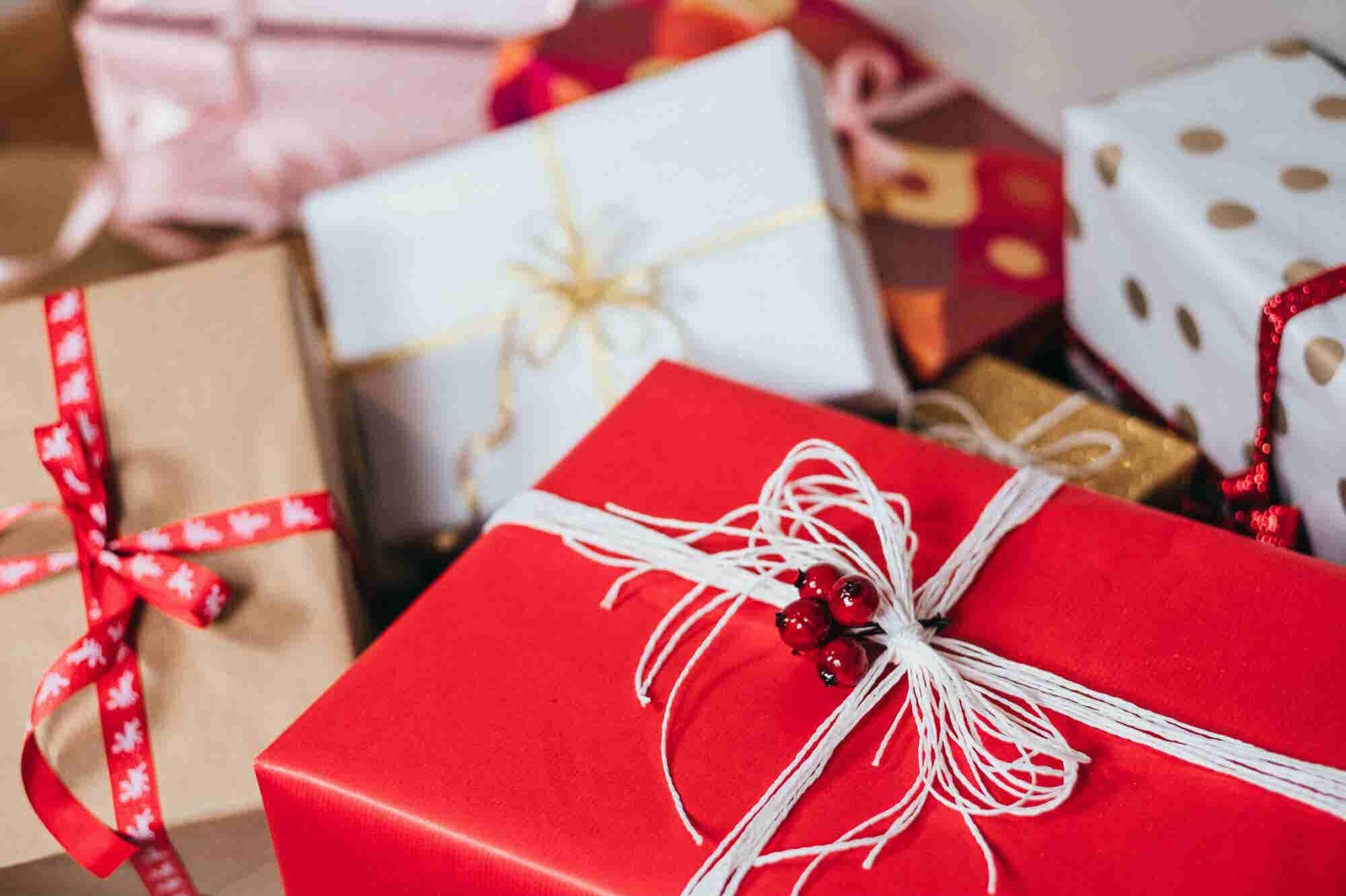 ¿Quieres dar los mejores regalos navideños? 7 tips para hacerlo sin arruinarte