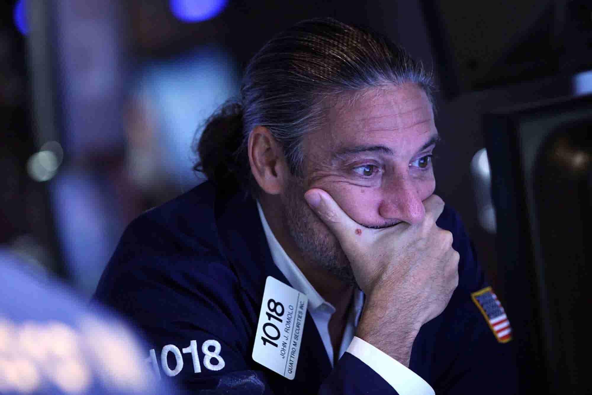 Apple Plunges $57 Billion in Premarket Trading, Dragging Global Stocks...