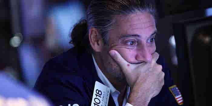 Apple Plunges $57 Billion in Premarket Trading, Dragging Global Stocks After Shock Sales Warning