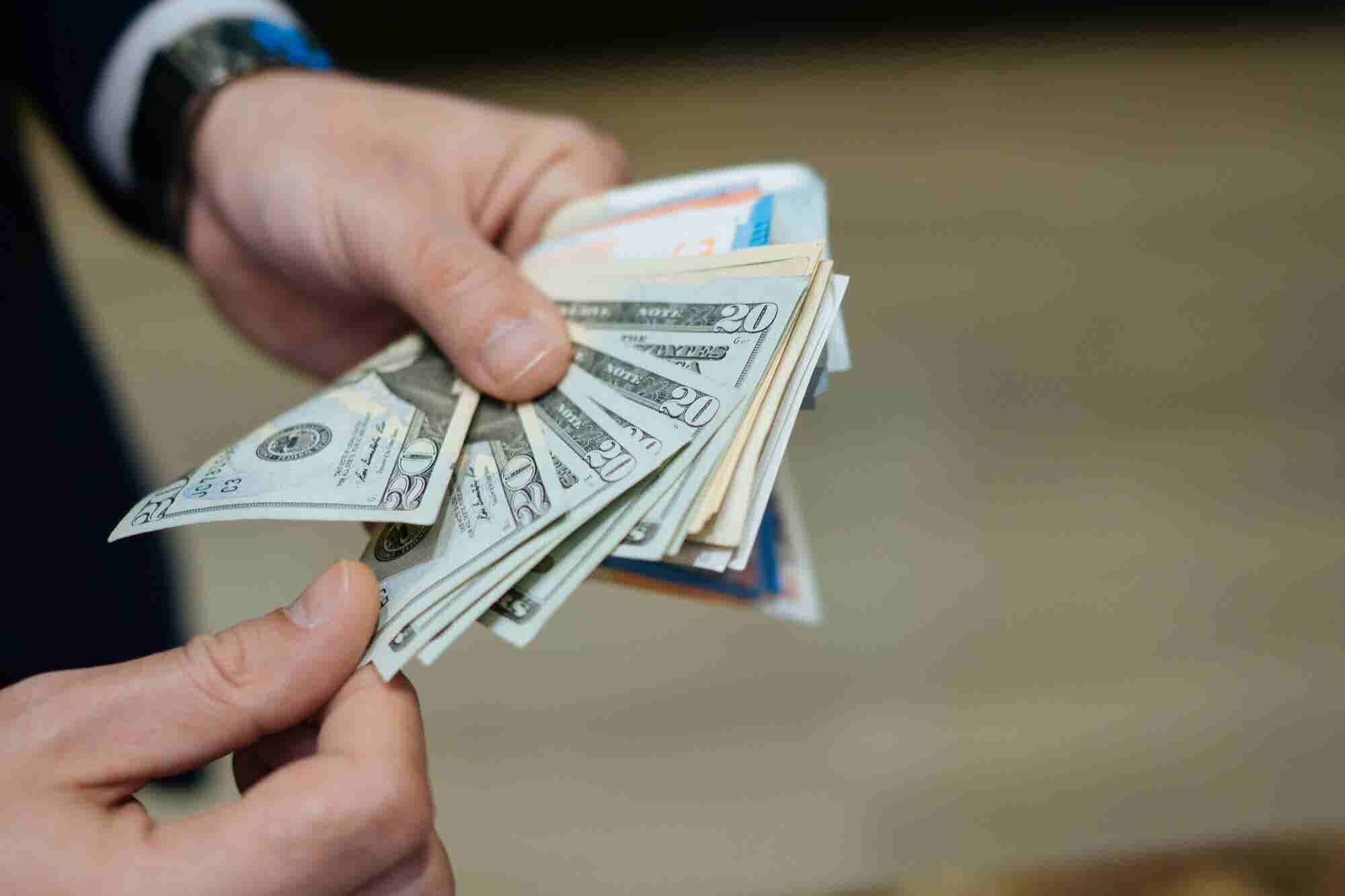 The Surprising Amount of Money That Most Entrepreneurs Start Their Businesses With