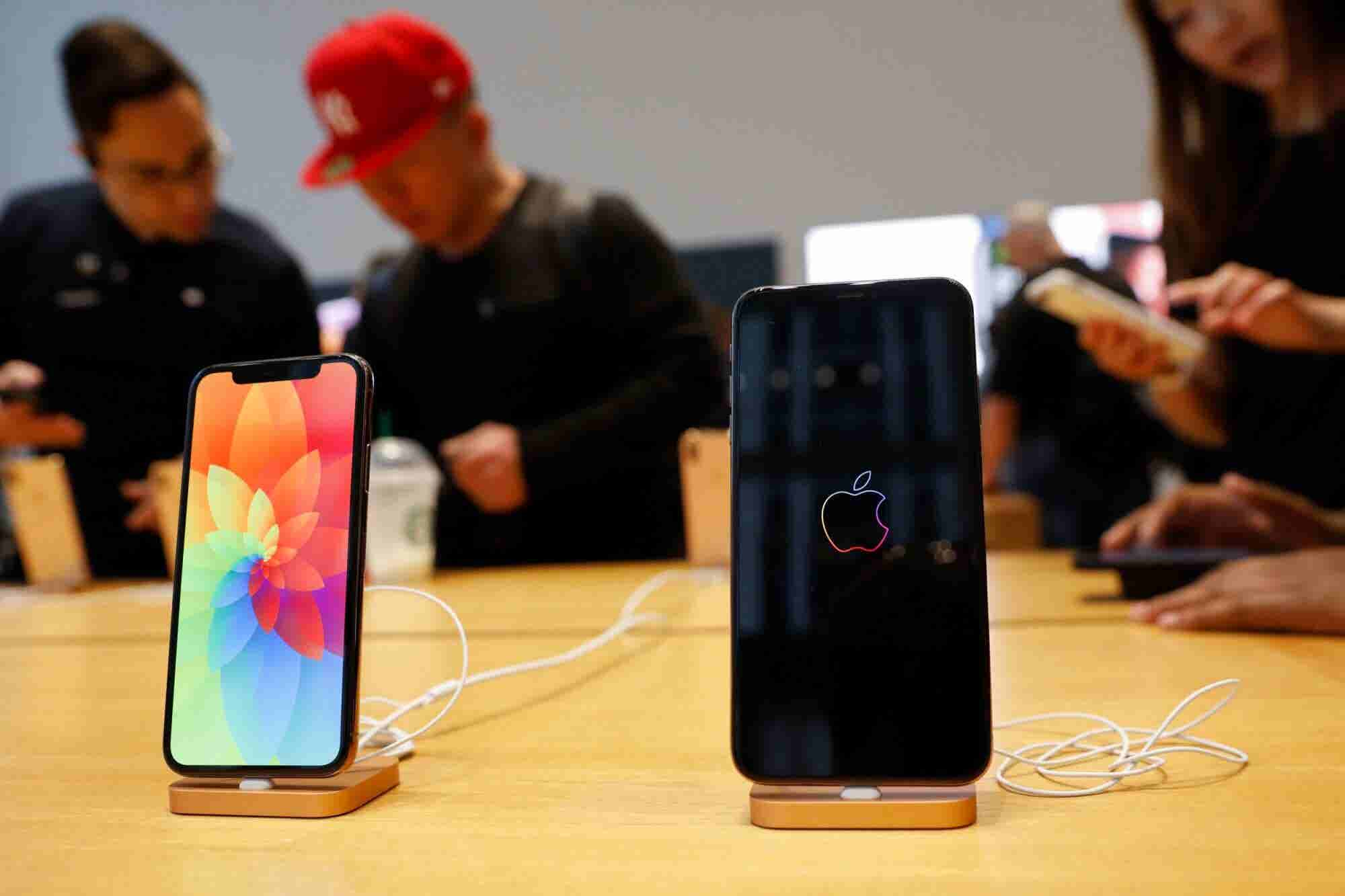Apple Is Reportedly Cutting iPhone Production by 10 Percent