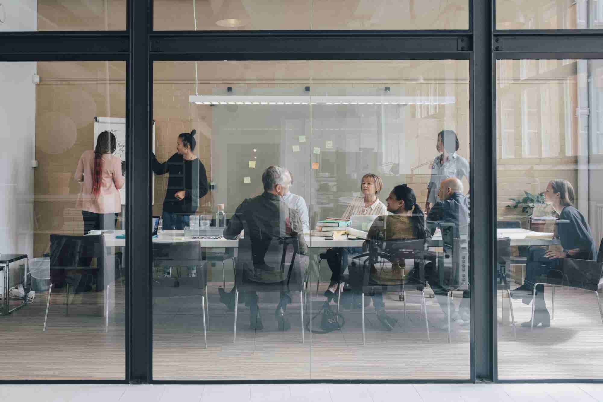 Reducing the Communication Gap Between Employees and Management