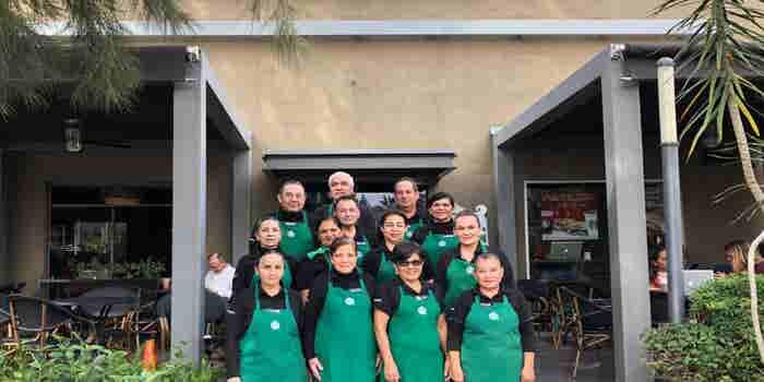Starbucks abre en Jalisco su segunda tienda operada totalmente por adultos mayores