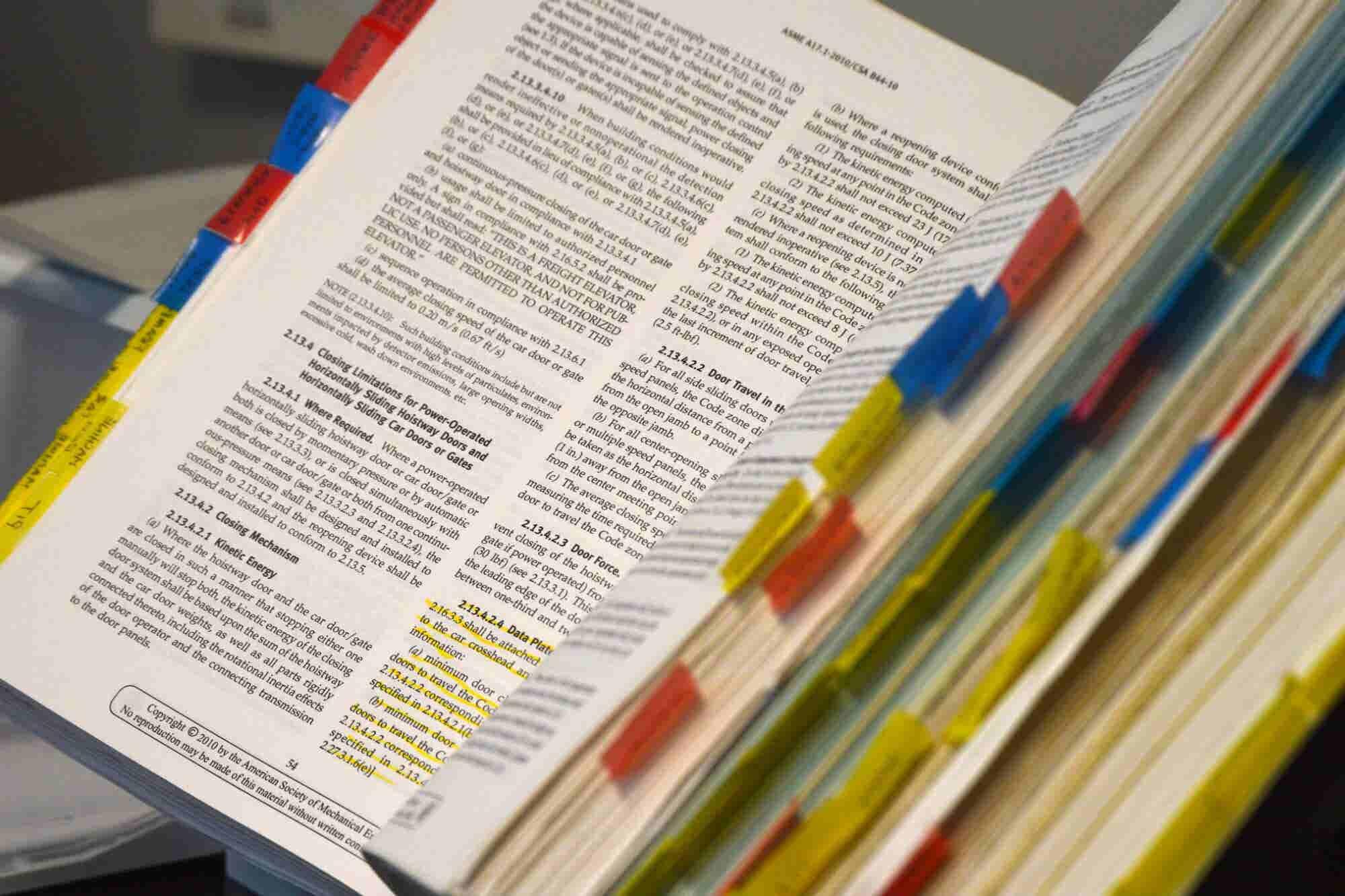Cómo diseñar un manual de procedimientos (y para qué lo necesitas)