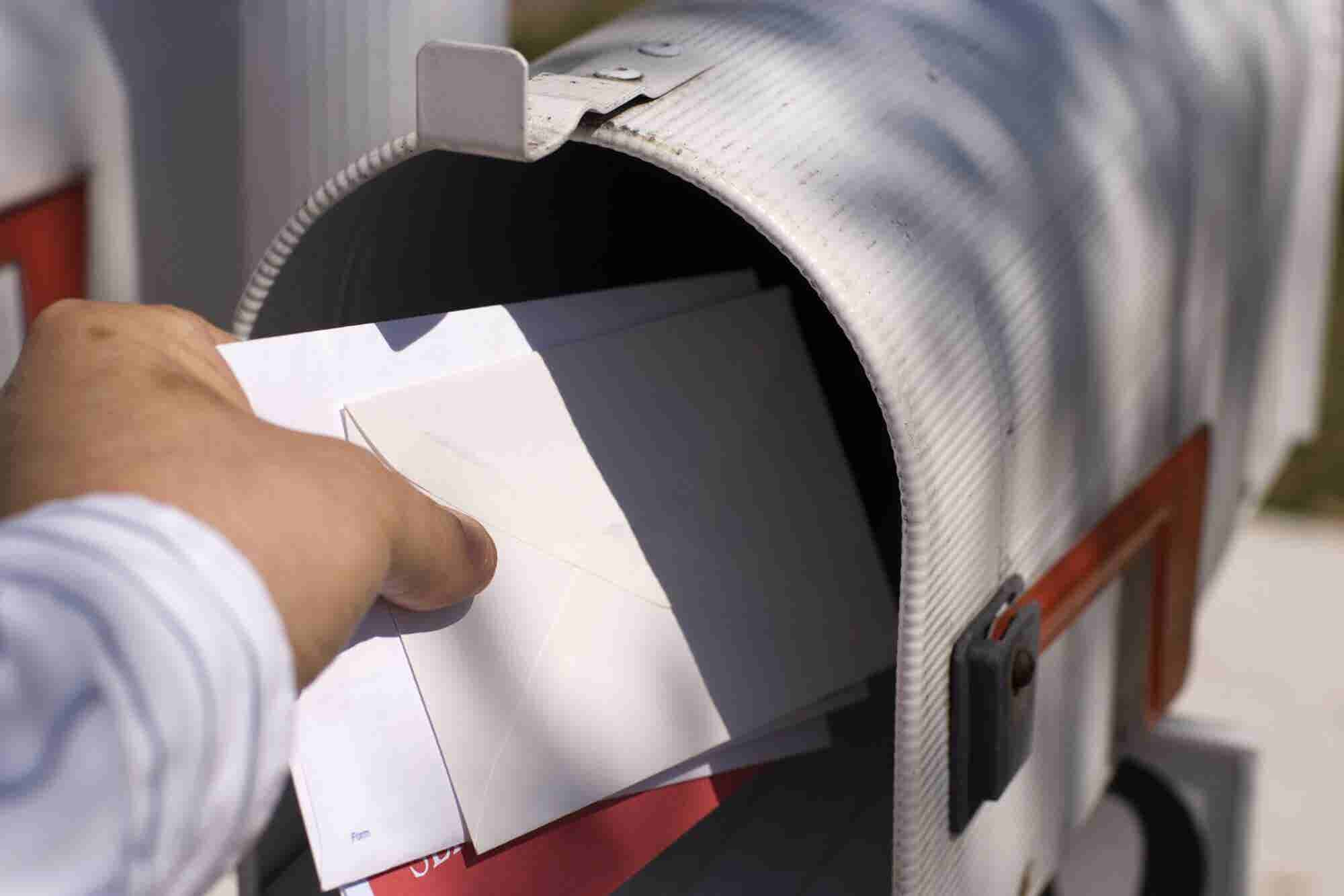 Looking for Leads? These 4 Direct Mail Offers Are Your Answer