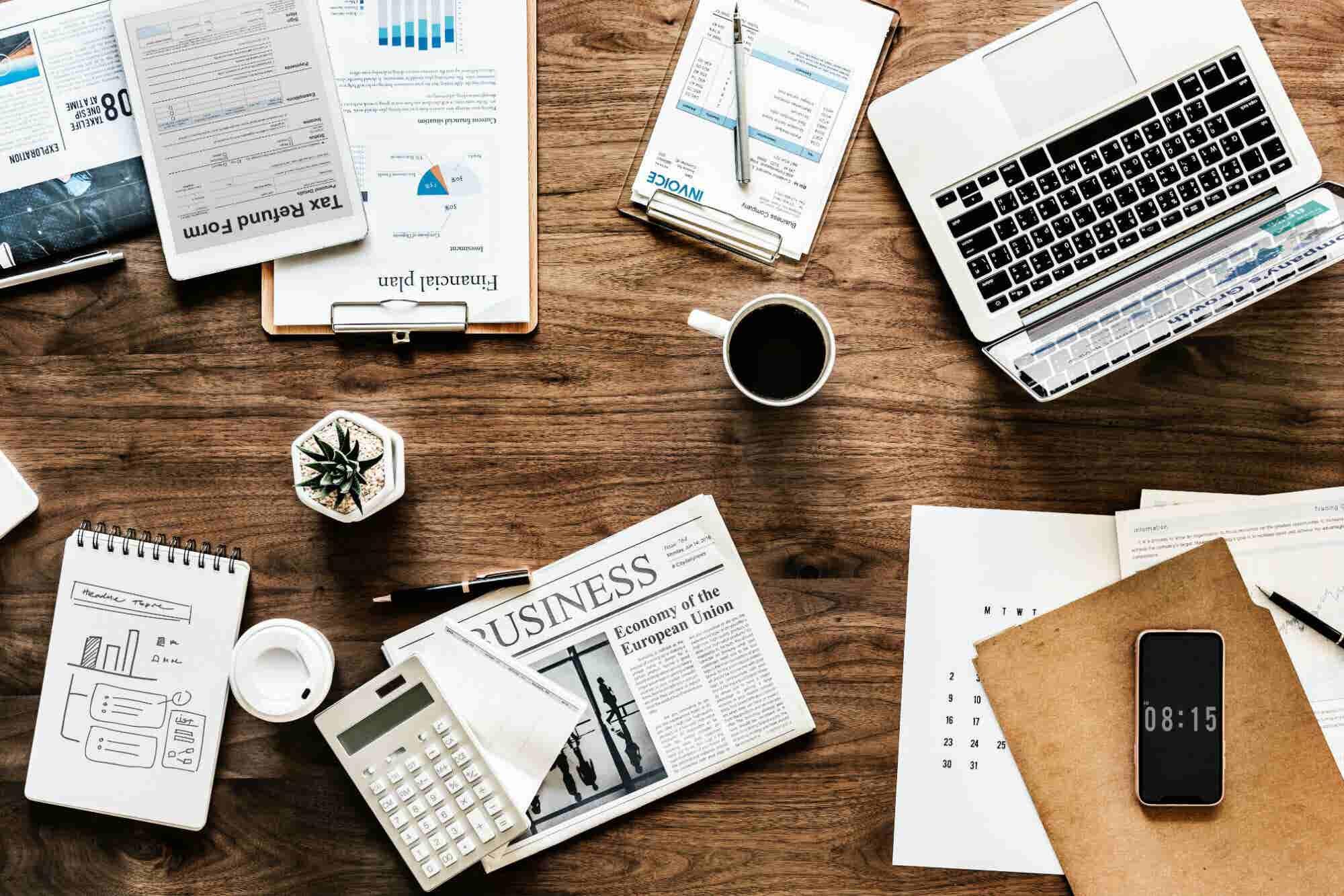 5 cosas que debes quitar YA de tu escritorio