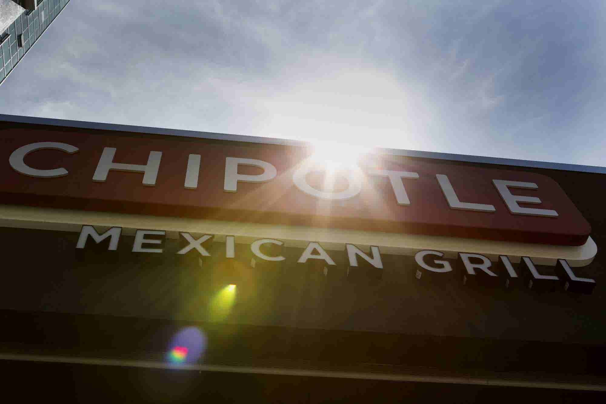 Chipotle Shoots for the Stars, Hires Oscar Winner to Produce Ad