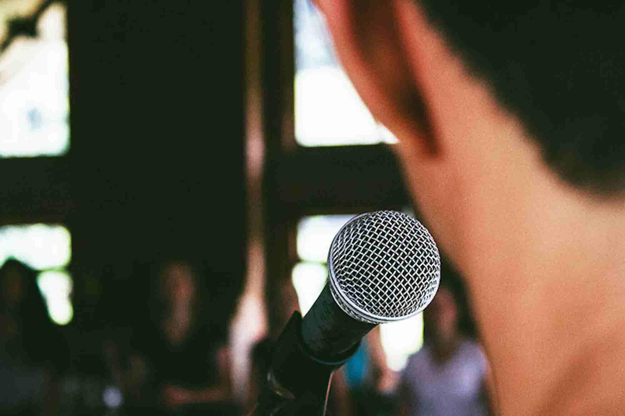 Warren Buffett Took a Public-Speaking Course, and So Should You