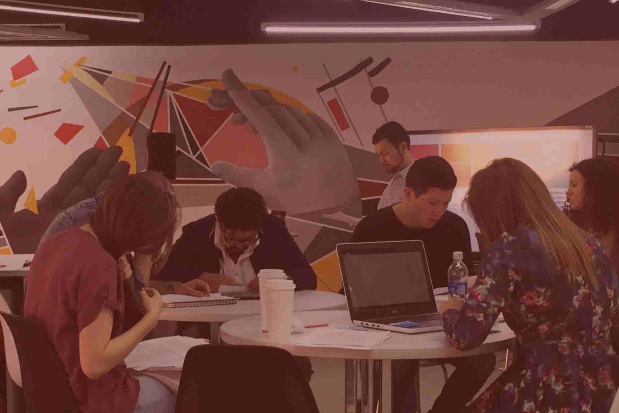 La 'Ibero' presenta un servicio de asesoría de mil pesos para emprendedores
