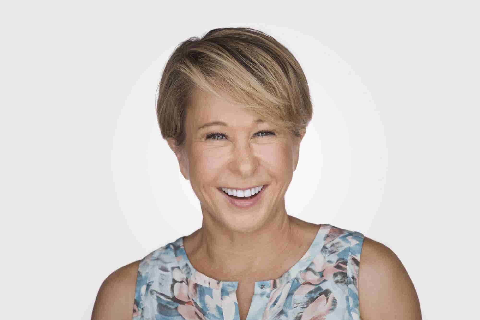 (Podcast) Simpsons' Star Yeardley Smith Shares Why You Should Never Let the Pursuit of Perfection Get in the Way of Enjoying the Ride