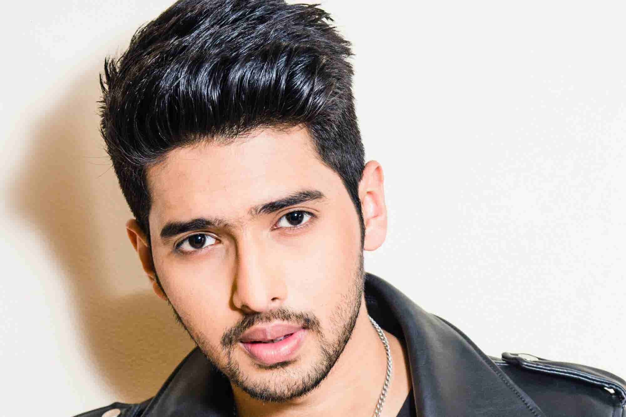 Meet The 23-Year-Old Singer Who Made it to The Entrepreneur India's 35under35 List