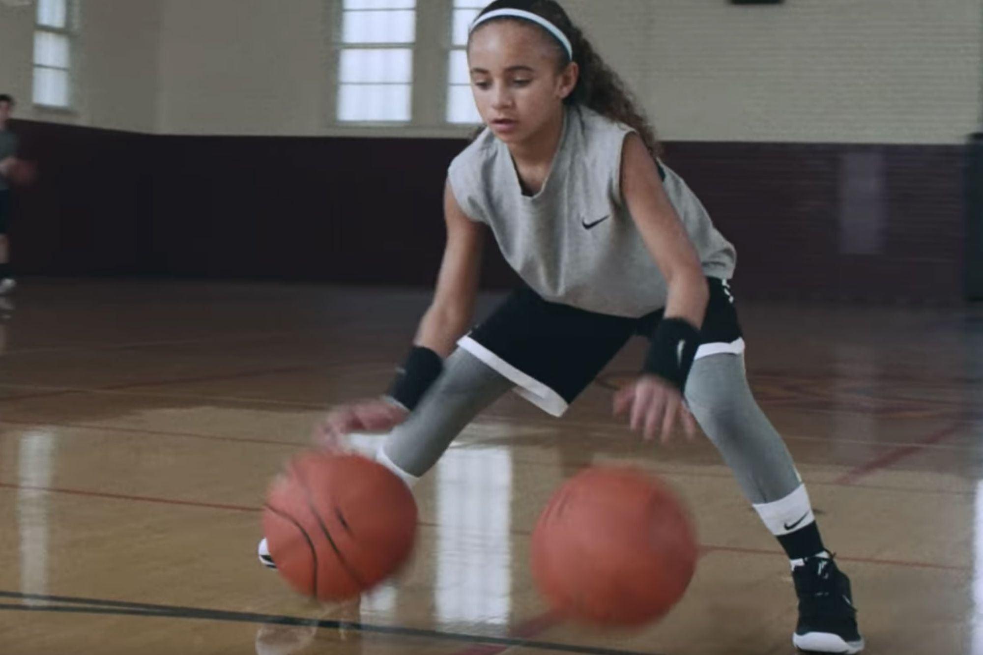 El nuevo comercial de Nike muestra por qué las mujeres ...