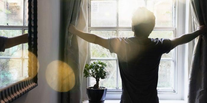 9 Ways Happy People Start Their Mornings