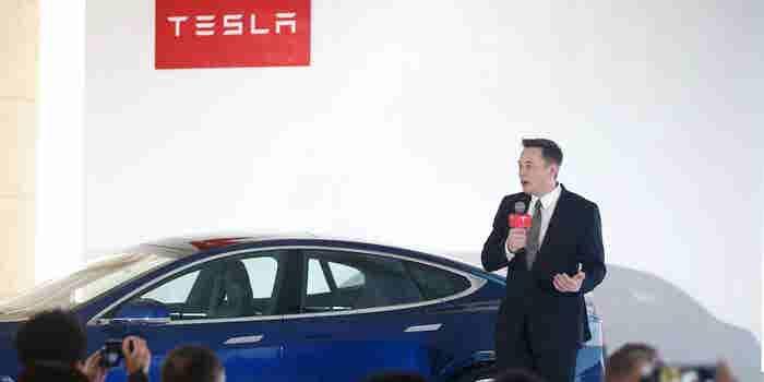 Tesla Stock Falls After Elon Musk Announces Plans to Close Brick-and-Mortar Stores