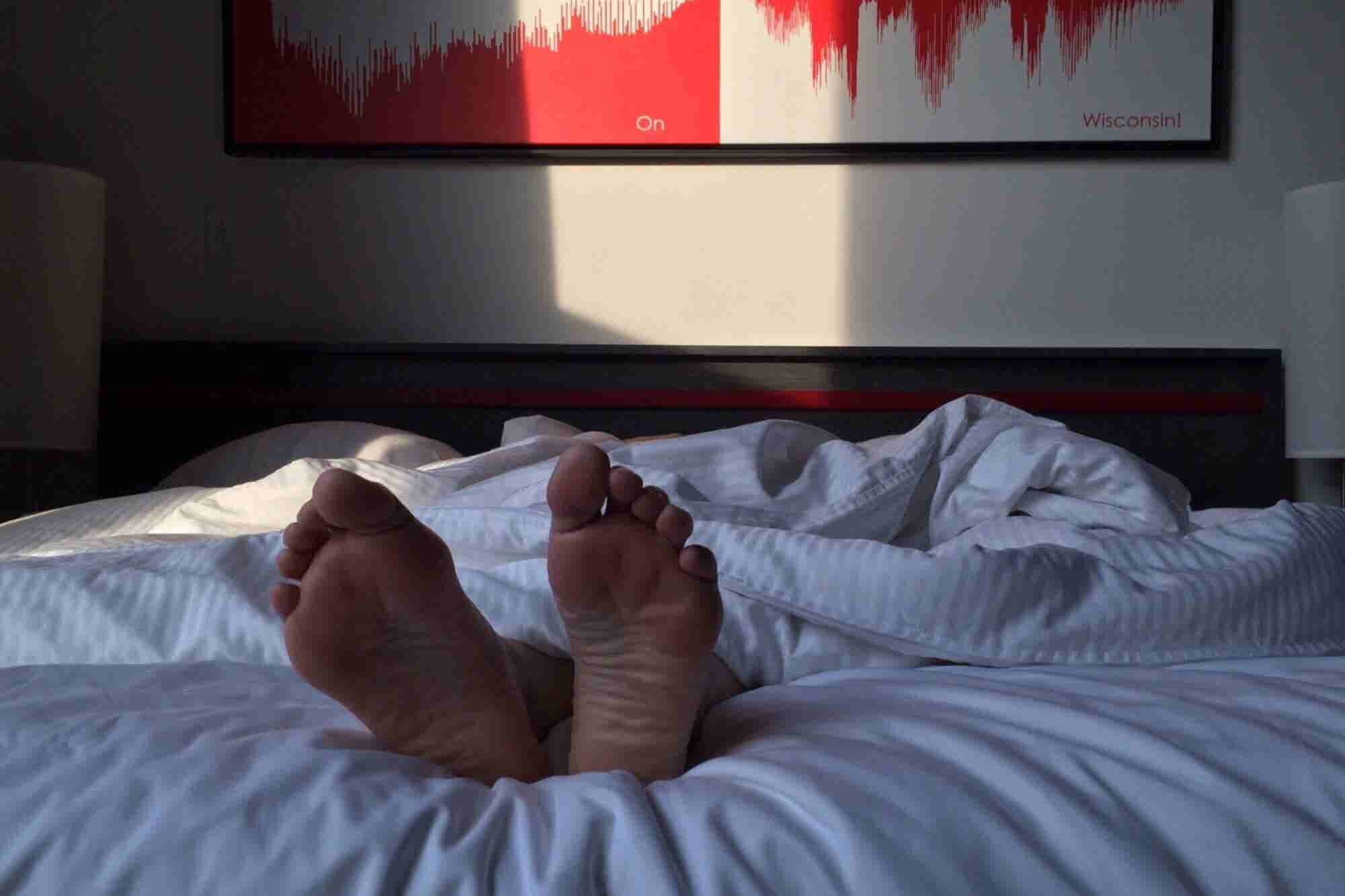 Why Weekend Catch-Up Sleep is Not Good For Productivity