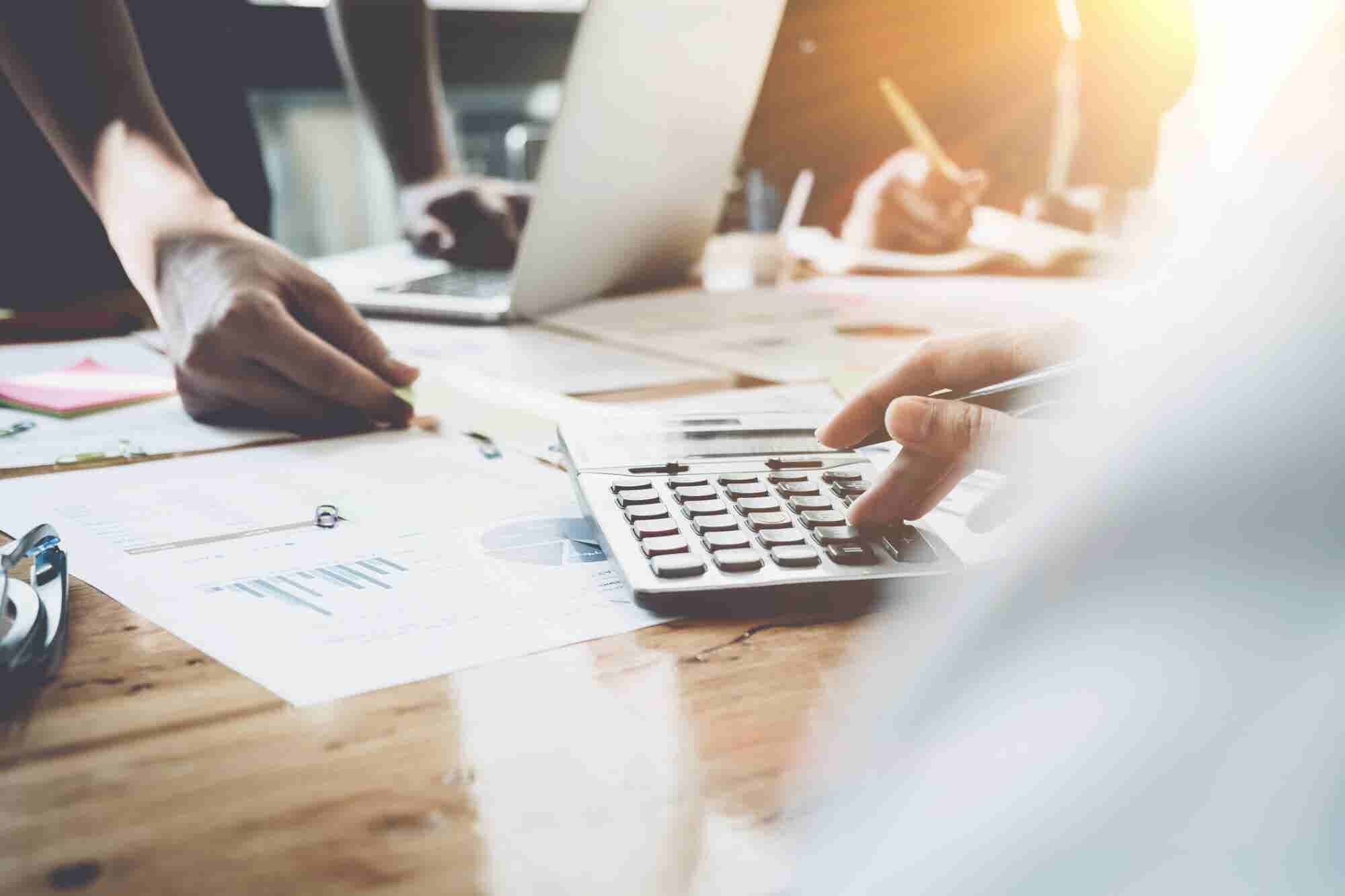 3 Great Ways to Fund Your Business Without Splitting Profits or Equity