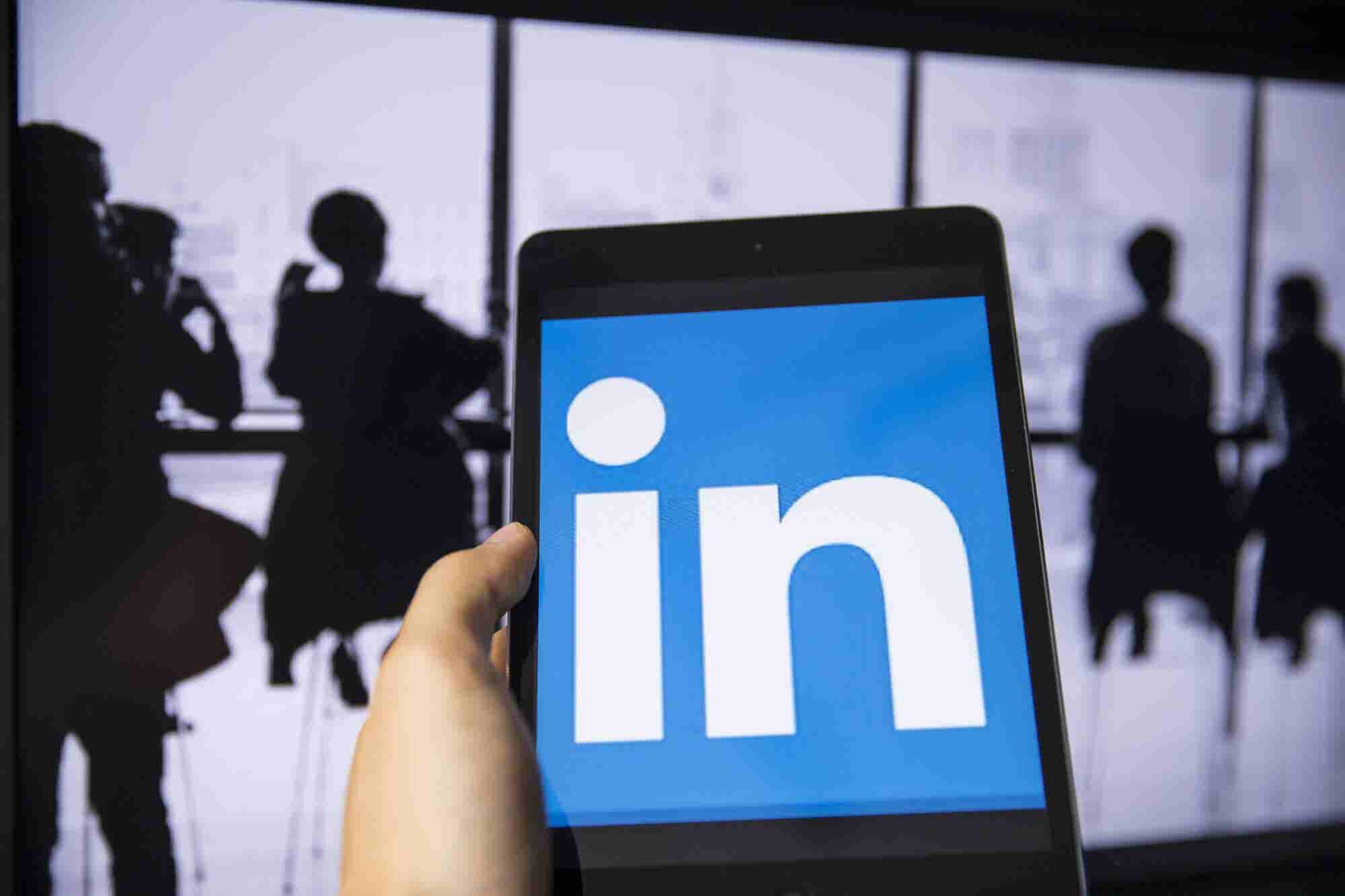 """How the """"LinkedIn on Steroids"""" Sales Navigator App Could Send Your Sales Through the Roof"""